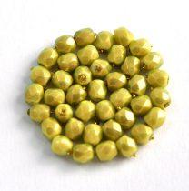 Cseh csiszolt golyó gyöngy -  pastel green golden shine -4mm