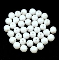 Cseh préselt golyó gyöngy -  Alabaster Luster - 4mm