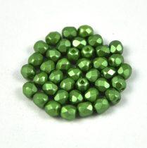 Cseh csiszolt golyó gyöngy -  Pastel olivin -4mm