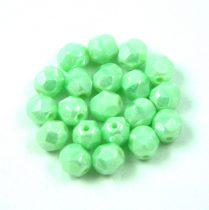 Cseh csiszolt golyó gyöngy -  Light Green Luster - 6mm
