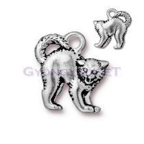Medál - fújó macska - antik ezüst színű - 18x16mm