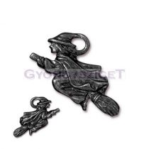 Medál - boszorkány seprűn - fekete - 19x23mm