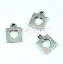 Medál - szív - ezüst színű - 13x10mm
