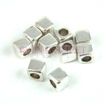 Fémgyöngy - kocka - ezüst színű - 6mm