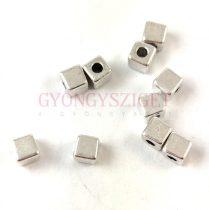 Fémgyöngy - kocka - ezüst színű - 4mm