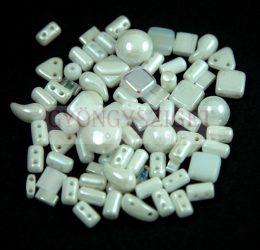 Cseh többlyukú gyöngy mix - White- 10g