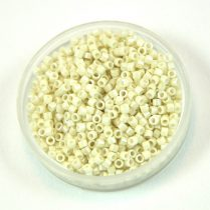 Miyuki delica gyöngy 0211 - Opaque Limestone Luster - 11/0