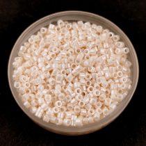 Miyuki delica gyöngy 1530 - Opaque Bisque White Ceylon - 11/0 - 20g-AKCIOS