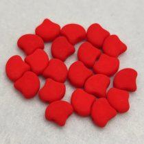Ginko - cseh préselt kétlyukú gyöngy - Matte Silk Satin Red - 7.5 x 7.5 mm
