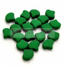 Ginko - cseh préselt kétlyukú gyöngy - Matte Silk Satin Irish Green - 7.5 x 7.5 mm
