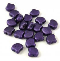Ginko - cseh préselt kétlyukú gyöngy - Matt Metallic Purple - 7.5 x 7.5 mm