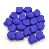 Ginko - cseh préselt kétlyukú gyöngy - Opaque Royal Blue Matt - 7.5 x 7.5 mm