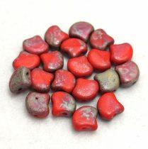 Ginko - cseh préselt kétlyukú gyöngy - Red Matt Rembrandt - 7.5  x 7.5 mm