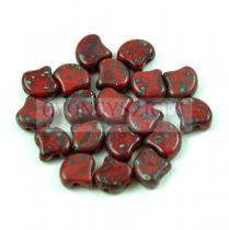 Ginko - cseh préselt kétlyukú gyöngy - Dark Red Picasso - 7.5  x 7.5 mm