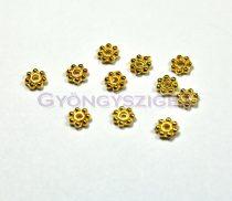 Medál - Heishi kis virág - arany színű -5mm - 50db