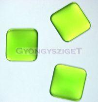 Lunasoft négyzet alakú kaboson - peridot - 22mm