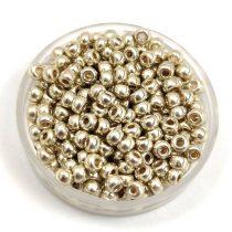 Miyuki kásagyöngy - 4201 - Duracoat Galvanized Silver - méret:8/0