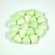 Nib-Bit - Cseh préselt kétlyukú gyöngy - 6x5mm - Silk Satin Inocent Green