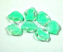 Cseh préselt egyedi formák - levél - kristály halvány zöld - 14x16mm