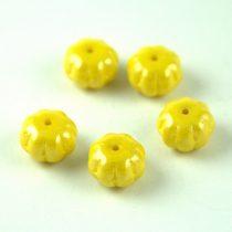Cseh préselt egyedi formák - Melon - Yellow Luster - 8x11mm