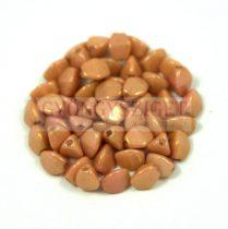 Cseh préselt Pinch gyöngy - fehér barack lüszter - 5x3 mm
