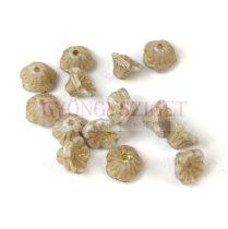Cseh préselt virág gyöngy - harangvirág - Alabaster Gold Luster - 7x5mm