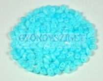 Superduo cseh préselt kétlyukú gyöngy - 2.5x5mm - silk light blue opal matte