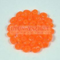 Superduo cseh préselt kétlyukú gyöngy - 2.5x5mm - opal orange