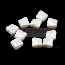 Silky gyöngy - Pastel White - 6x6mm