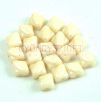 Silky gyöngy - Light Beige - 5x5mm