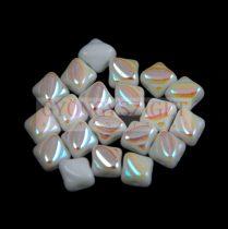 Silky gyöngy - White AB - 5x5mm