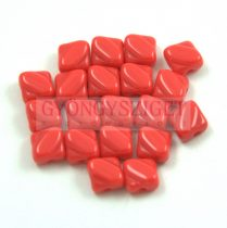 Silky gyöngy - Opaque Red - 6x6mm