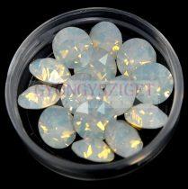 Swarovski chaton - white opal 8mm xirius