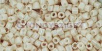 Toho kocka gyöngy - 123 - lüszteres light beige -1.5mm