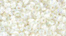 Toho demi round gyöngy - 777 - Cream Lined Rainbow Crystal - 8/0