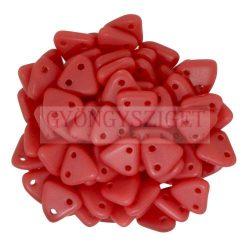 Cseh kétlyukú háromszög gyöngy - Matt Opaque Red - 6mm