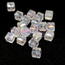 Kocka alakú üveg gyöngy - Crystal AB - 6mm