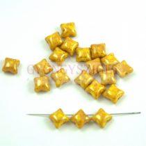 Wibeduo cseh préselt 2lyukú gyöngy -  Opaque Sunflower Gold Luster - 8mm